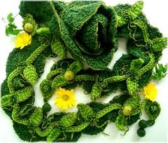 Folhas, cachecol de croch (Lidia Luz) Tags: scarf leaf handmade crochet felt feltro folha cachecol croch lidialuz
