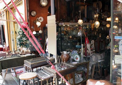 Paradis des anciens luminaires et vieilles horloges...
