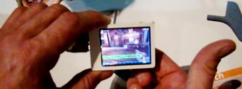NanoTouch: Unreal Tournament 2.4 colių ekrane?