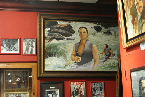 "Who Doesn't Want A Giant Painting Of Burt Reynolds In ""Deliverance"" Hanging On Their Wall?"