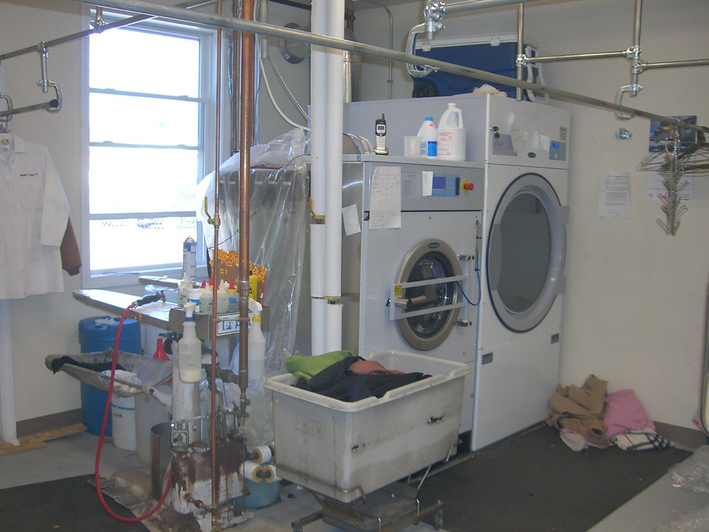 Silver Hanger Cleaners, Bellingham MA: wet machine and dryer