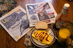 Sunday Newspaper & Breakfest