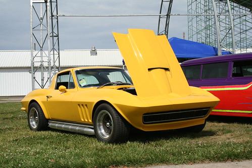 Good Guys Des Moines, Customs Corvette