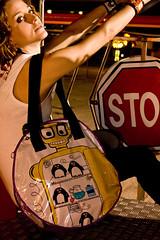 Robot congelador (lascosasdehule) Tags: de robot venezuela cosas caracas and bolsos carteras nicol hule brazaletes zarcillos acaros engberts