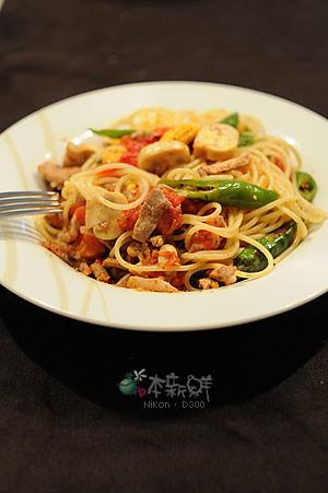 茄醬玉米筍蘑菇青甜辣椒義大利麵