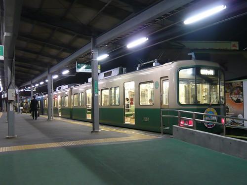 江ノ電1101F+1502F稲村ヶ崎行き最終電車@鎌倉