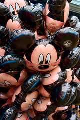 DLP Feb 2009 - Mickey Balloons (PeterPanFan) Tags: travel vacation france canon europe disney fr disneylandparis 30d dlp disneylandresortparis marnelavalle canon30d canoneos30d jonfiedler marnelavalle