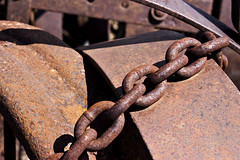 Rusty Links (gfpeck) Tags: rusty f11 crusty
