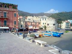 IM000166 # Laigueglia (Savona) (mpvicenza) Tags: italy marine italia mare liguria eu barche sv spiagge torrione laigueglia orgogliosodiessereitaliano 101014696 laigueglia1