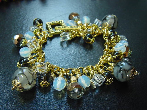 #CRCH21 = Banded Agate & Crystals Bracelet SGD$50