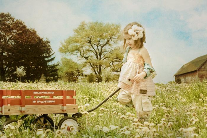 Vintage Farm Girl-700