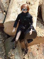 Auf der Holzspur (britta.haesslich) Tags: wood tree toy toys doll dolls barbie plastic holz tre spielzeug puppe plasticpeople treet leker plastik momoko dukke plast sgespne lekety holzspne susiedoll hobelspne holzig sagspon