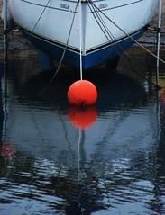 Exmouth, Devon, UK. (SARK S-W) Tags: buoyant 260409