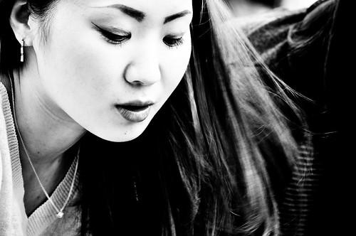 Asiática en blanco y negro class=