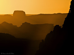 Kayenta sunset (Dave Arnold Photo) Tags: pictures sunset arizona usa southwest west monument canon utah us photo ut butte image photos native arnold picture az pic images photograph american valley western getty sw navajo monumentvalley mesa goldenhour americanindian lightshade ariz swusa churchrock westernusa navajonation davearnold specland perfectpicture greatimage canonequipment peaceaward canonphotographer heartawards goldstaraward flickrestrellas platinumpeaceaward worldpeacehalloffame kayent doublyniceshot davearnoldphoto davearnoldphotocom tripleniceshot arnoldd