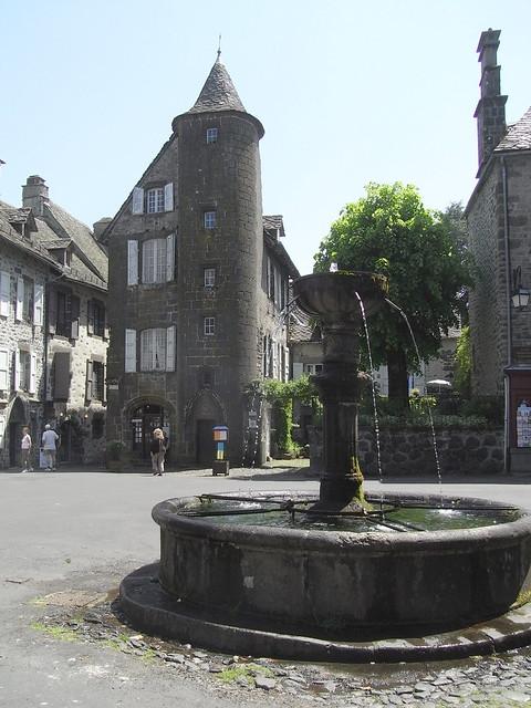 Villes et villages de charme du Cantal 3589368595_8ee4e6c597_z