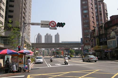 01.新店捷運站