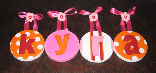 """KYRA 5"""" Round Custom Hand Painted Letters with Flowers Push Pin Accents"""