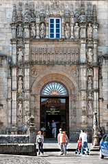 Reyes catolicos (Darkmelion) Tags: santiago españa arquitectura coruña galicia fachada obradoiro hostal reyescatolicos paseomaritimo d90 burgo espaa corua