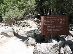 Trailhead to Upper Yosemite Fall Trail (Yosemite Village, California, United States) Photo