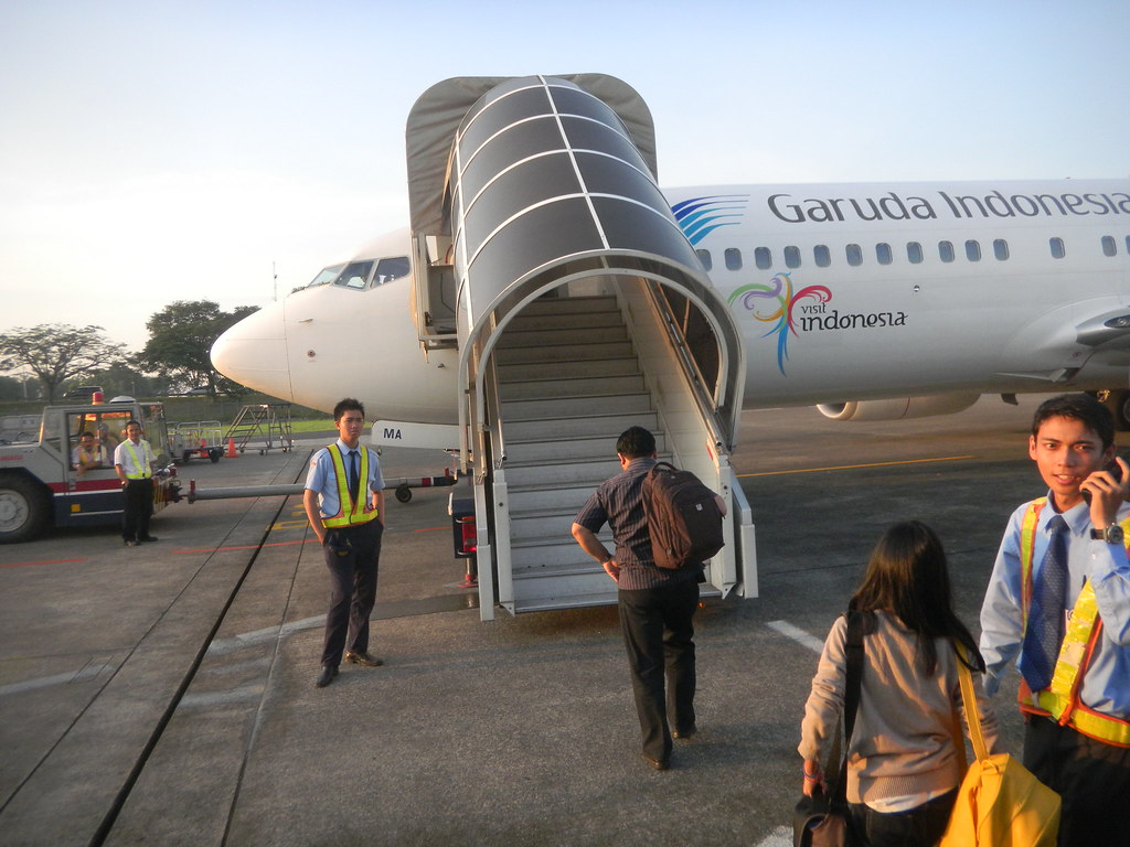The Worlds Most Recently Posted Photos Of Garuda And Pesawat Wing Pilot Indonesia Boeing 737 800 In Cengkareng Jaktransport Bangkrut Tags
