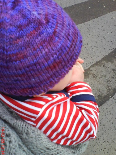 purple C20th yarns beanie