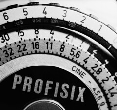 PROFISIX (schoeband) Tags: bw macro 6x6 film mediumformat gear lightmeter bellows pentaconsixtl fomapan200 gossenprofisix