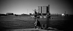 Pescatore all'Infrarosso (Daniele Cardone) Tags: tiger porto reportage daniele barletta cokin cardone p007 altropescatore