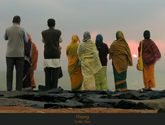 Rising (Awaiting the Sun 4) (Collin Key) Tags: india devotion sari indien tamilnadu bharat pondicherry indianwomen theunforgettablepictures indischefrauen sunriseovertheocean collinkey sonnenaufgangberdemmeer godsurya suryadeva unseenindia