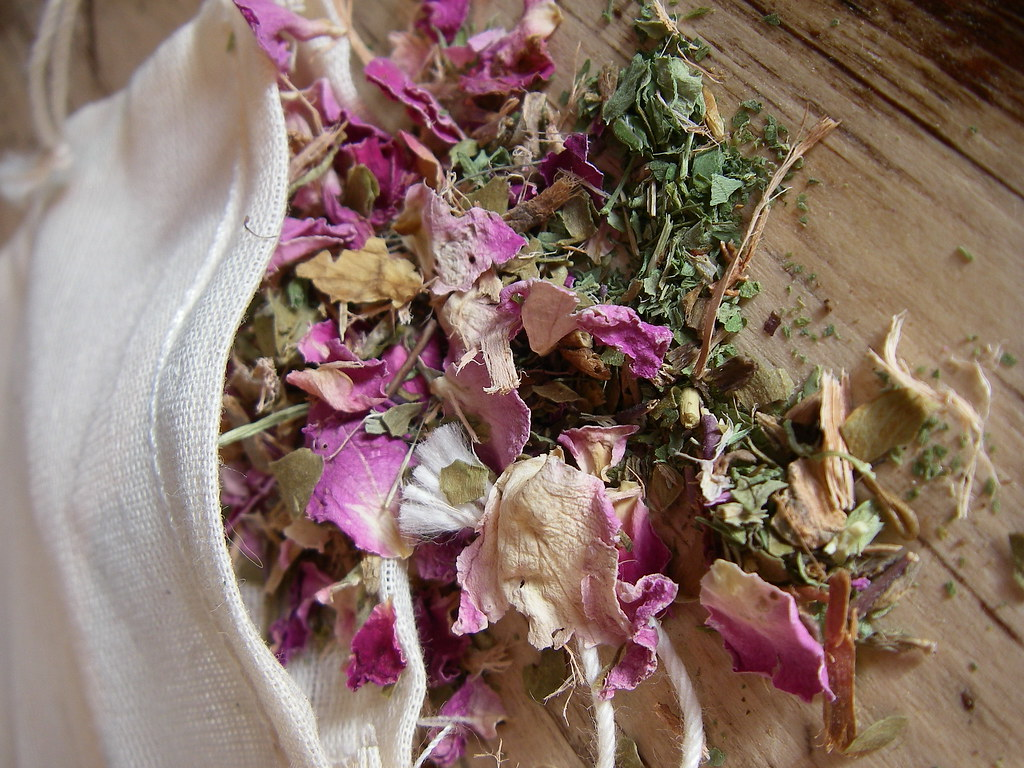 Herbal Facial Steam and Eye Treatment - All skin types by MisticalAcScents.etsy.com