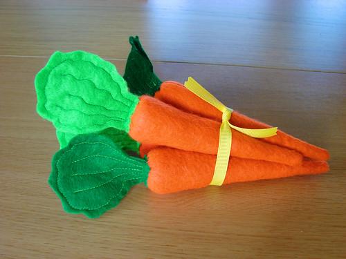 felt easter carrots
