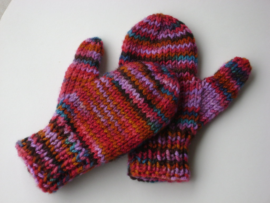 KNITTING PATTERN FOR BABY MITTENS