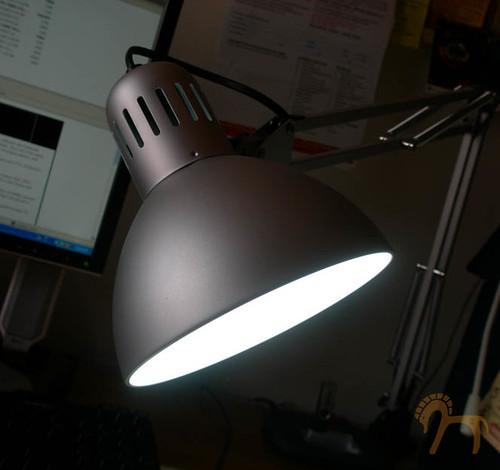 LampDaylightSimBulb1