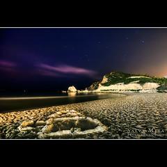 Cala de Finestrat :: Night shot (Salva Mira) Tags: longexposure beach night flickr nightshot playa nocturna kdd cala benidorm platja paísvalencià largaexposición finestrat qdd llargaexposició salvamira trobadaflickr eixidetes eixidetespelpaísvalencià