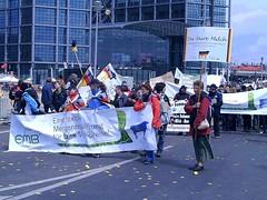 090515-DGB-Demo-07 (aktion-freiheitstattangst.org) Tags: berlin demo 100000 krise dbg lohn mindestlohn