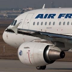 Air France Airbus A318-111 F-GUGR (28964) (Thomas Becker) Tags: france plane germany airplane geotagged deutschland airport nikon hessen frankfurt aircraft air airbus d200 tamron flugzeug spotting fra avion airfrance 200500 fraport rheinmain a318 noseshot eddf skyteam aerotagged a318111 luftfahrzeug 170107 aero:man=airbus aero:airline=afr aero:series=100 220207 fgugr aero:airport=eddf a318100 aero:model=a318 aviationphoto dauaj 090303 geo:lat=50039323 geo:lon=8596877 aero:tail=fgugr msn3009