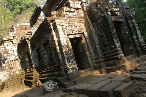 034.另一個角度的Wat Phu Champasak主殿