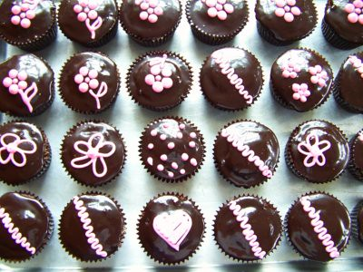 Hostess Cupcakes with Chocolate Espresso Glaze