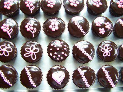 Hostess Cupcakes with Chocolate Espresso Glaze