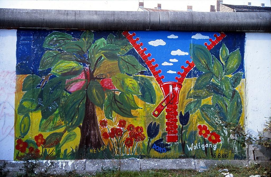 19870000Berlin Kreuzberg Mauer Graffiti (11)