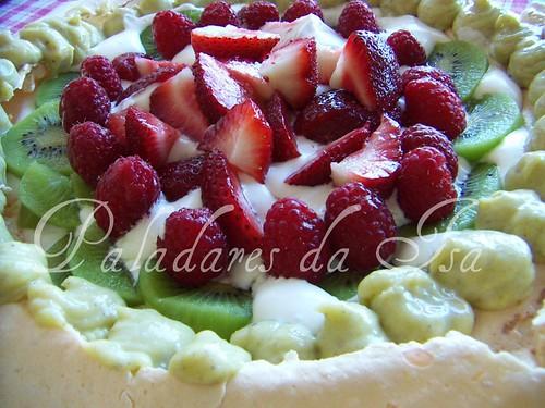 Pavlova com ganache de pistachio