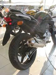 IMG_0351 (motosBrasil) Tags: preta cb 300r