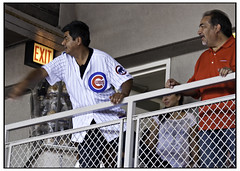 George Lopez holding court at Wrigley (swanksalot) Tags: chicago celebrity cubs wrigleyfield wrigley chicagocubs georgelopez swanksalot sethanderson