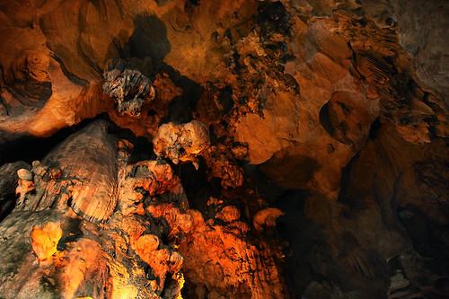 IMG_1950-w  Stalactites and Stalagmites in Kek Lok Cave