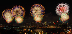 Neon Lines (shutterbugMike) Tags: nyc newyorkcity america river fireworks manhattan nikond50 fourthofjuly manhattanskyline hudsonriver unioncity july4th independenceday julyfourth pyrotechnics midtownmanhattan macysfireworks macysfourthofjulyfireworks