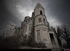 IMG_1945 (SamHunter) Tags: old abandoned dark scary sigma creepy louisville mansion 1020 ouerbacker wigma