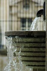eau libéré par un robinet publc