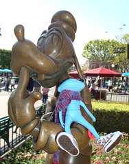 26 Henry and Goofy (irulethegalaxy) Tags: disneyland disney tudor henry viii 8th eighth henryvii henrytheeighth henrythe8th studiouoo wonderfrog notatudor