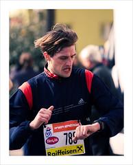 """""""Damn, I'm too late?!"""" (Thomas (dk-photoblog.com)) Tags: vienna wien sport canon eos austria österreich time marathon energie watch running half bewegung l late usm runner f4 zeit laufen uhr 70200mm läufer halbmarathon spät 40d"""
