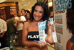 Playboy - Sheila Carvalho (Celso Tavares) Tags: shopping 04 revista marcia 09 playboy ibirapuera 2009 oficial sheila 07 carvalho lanamento spezia coelhinha sheilacarvalho marciaspzia spzia mrciaspzia 07042009